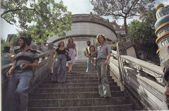Sean and John Lennon in Hong Kong, 1977 (4)